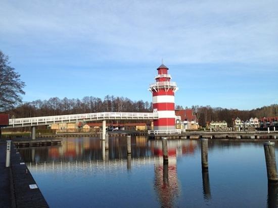 Maritim Hafenhotel Rheinsberg : Leuchtturm am Hafeneingang