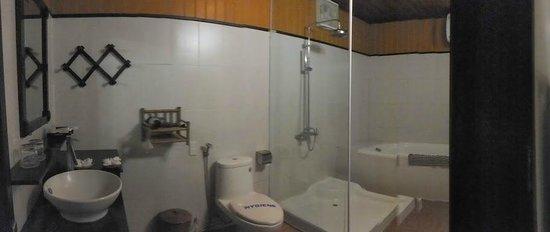 Betel Garden Villas: Bathroom
