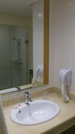 Ibis Casa Voyageurs : il bagno