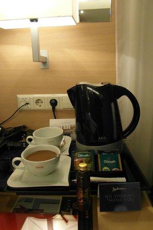 Radisson Blu Latvija Conference & Spa Hotel: Набор для чая-кофе