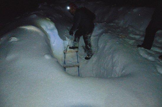 Spitzbergen Adventures: Ice cae