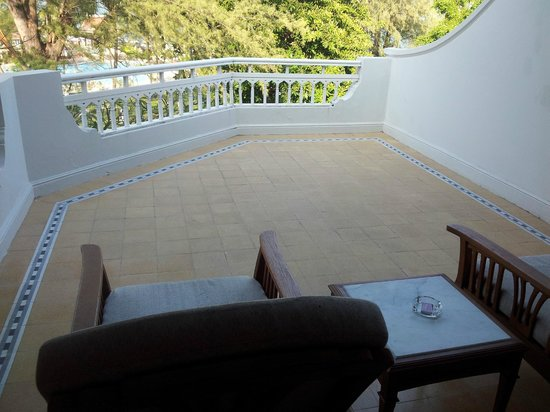Centara Grand Beach Resort & Villas Hua Hin: Our large balcony