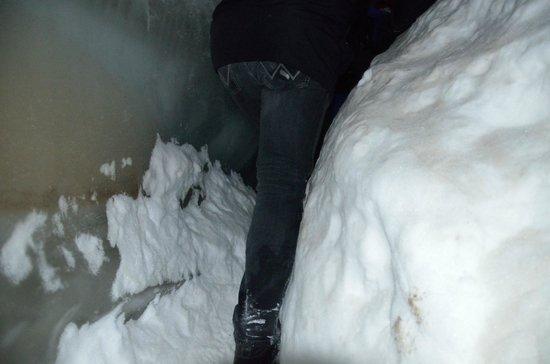 Spitzbergen Adventures: ice cave