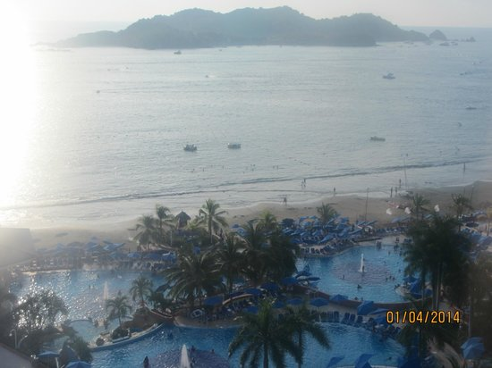 Azul Ixtapa Beach Resort & Convention Center: Vue de l'hôtel