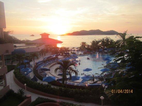 Azul Ixtapa Beach Resort & Convention Center: Vue de l'hôtel