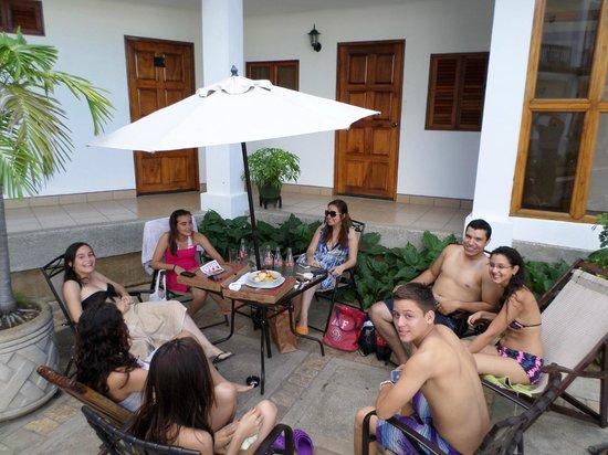 Hotel Mozonte: En la piscina con los primos