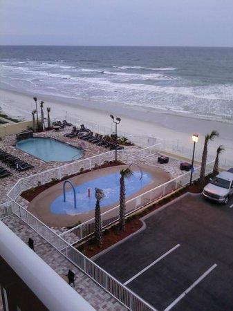 Hampton Inn Daytona Beach/Beachfront: View from our room.