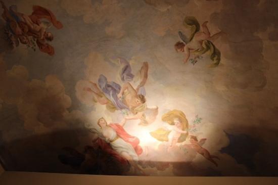 Burchianti: affreschi sul soffitto