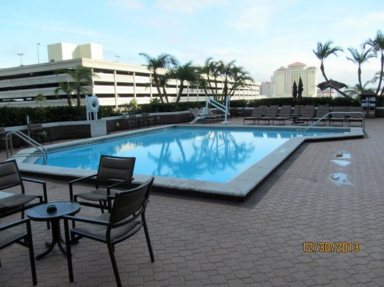 Hilton Tampa Downtown: 5th-floor pool deck