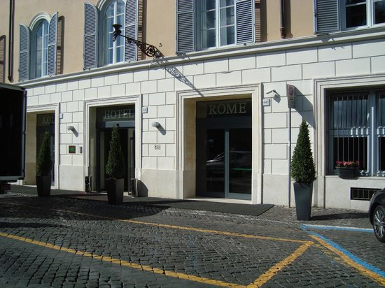 Kolbe Hotel Rome: Doesn't look like much from the front . . .