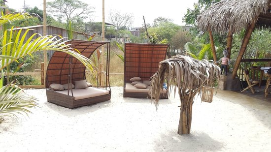 ME Hotel in Montanita Estates : sitting area outside the bar cabana