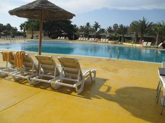 Hotel Oasis Belorizonte : Pool med havsvatten