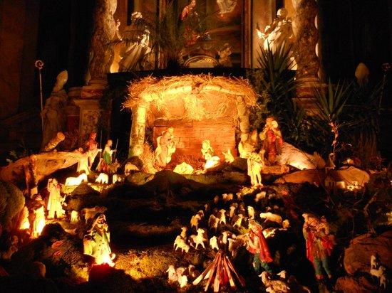 Franciscan Church (Franciskanska cerkev): Il presepe sull'altare