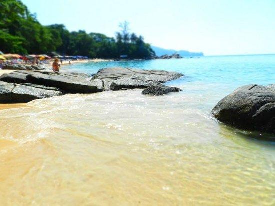 Laem Sing Beach: ...acqua bellissima...