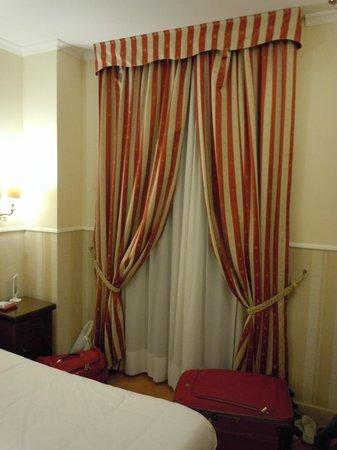 Hotel des Artistes: quarto
