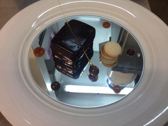 Le Cosi: Parfait chocolat et tira midi macaron caramel