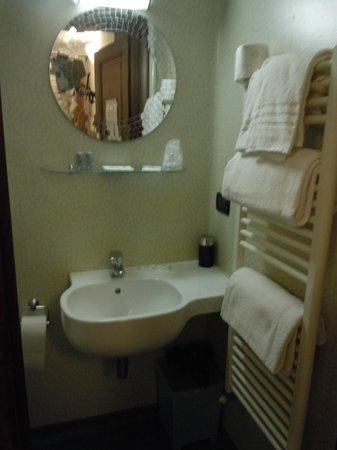 Arco Antico B&B: banheiro reformado