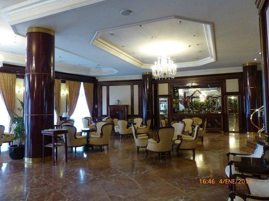Hotel Alameda Palace: Hall de entrada