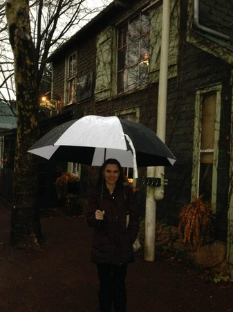 Lambertville Station Inn: Going into the Boat House near the hotel for a great drink