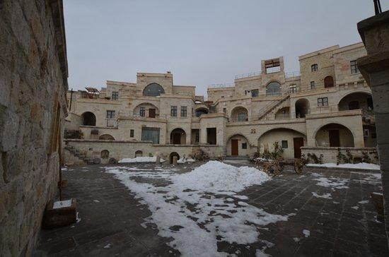 Doors Of Cappadocia Hotel : Entering from street level