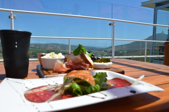 La Vierge Restaurant : Great food with a view