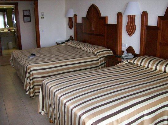 Hotel Riu Vallarta: 2 beds