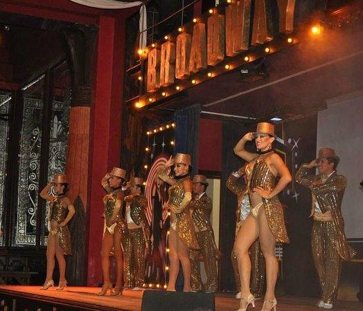 Hotel Riu Vallarta: Riu Dancers