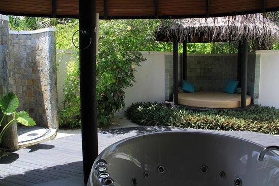 The Sun Siyam Iru Fushi Maldives : номер (ванная)