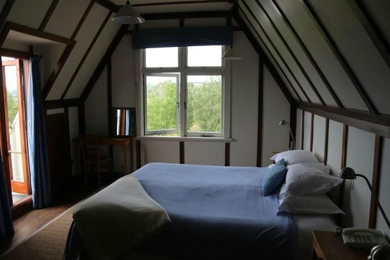 Black Barn Retreats : The bedroom