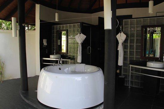The Sun Siyam Iru Fushi Maldives : ванная