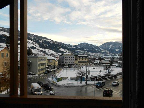Dolomitenhotel: BLICK vom Balkon