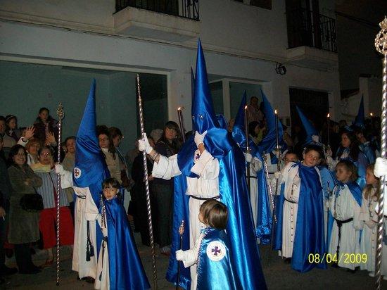 Nuestra Señora de Los Remedios: Easter processions - penitentes