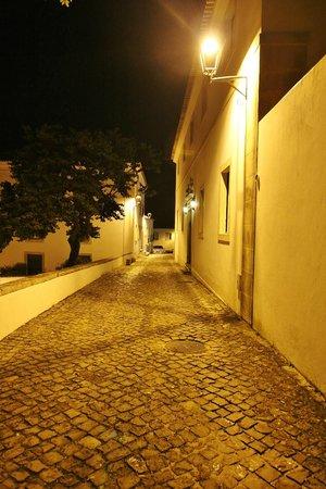 بوزادا دي أوريم - تشارمنج هوتل: Street in front