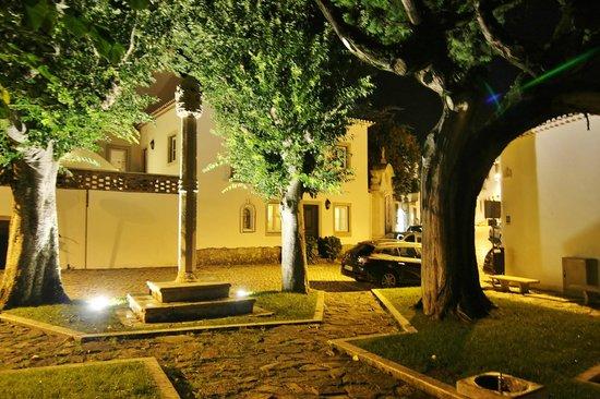 Pousada de Ourem - Fatima Historic Hotel: Park across the street