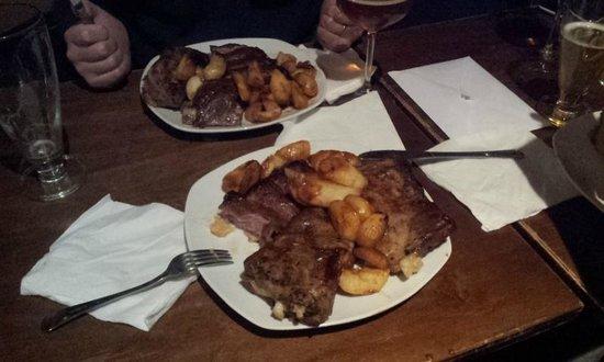 Pazzeria: costine di maiale con patate