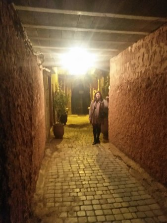 Riad La Porte Rouge: Entrance.