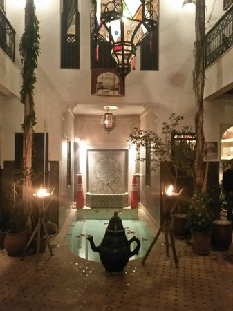 Riad La Porte Rouge : Plunge Pool @ Court Yard.