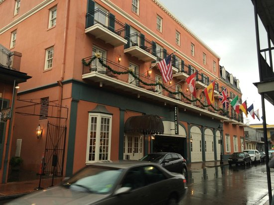 Dauphine Orleans Hotel: Front of the hotel