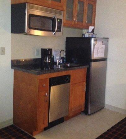 Residence Inn Atlanta Downtown: Kitchenette