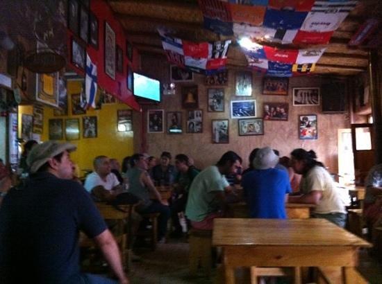 Sala de Cerveza Chelacabur: Colo Colo ;)