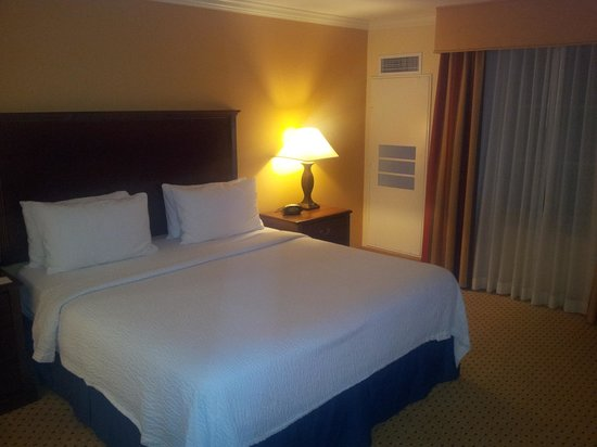 TownePlace Suites Houston North/Shenandoah: King size bed