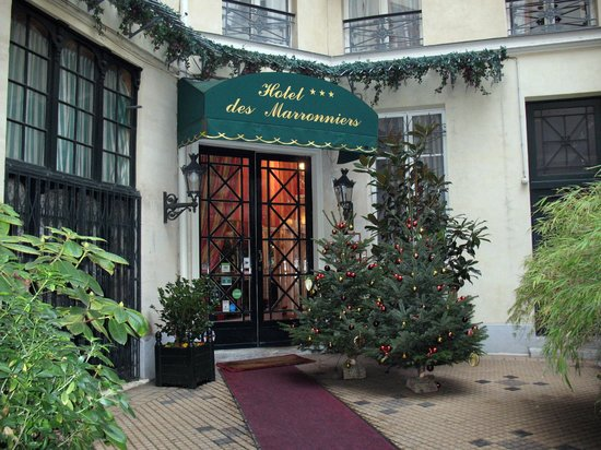 Hotel des Marronniers: Front Entrance