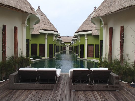 Villa Seminyak Estate & Spa : Lagoon Pool and Villas