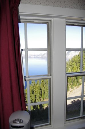 Crater Lake Lodge: view from window