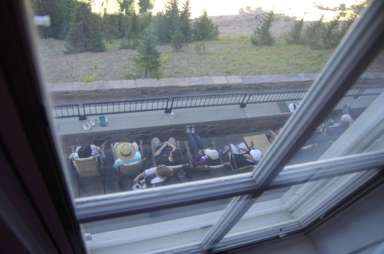 Crater Lake Lodge: looking out window at sitting area