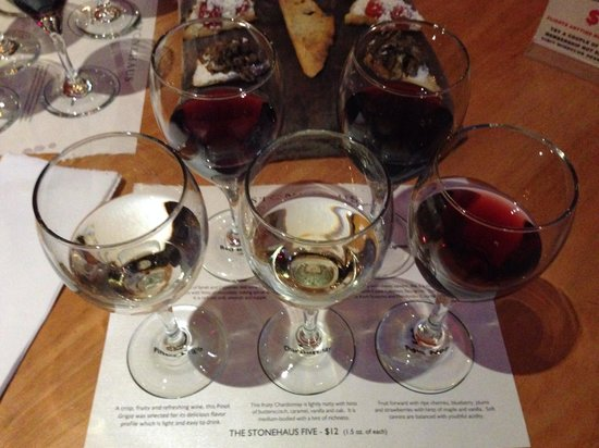 Westlake Village Inn: Free wine flight