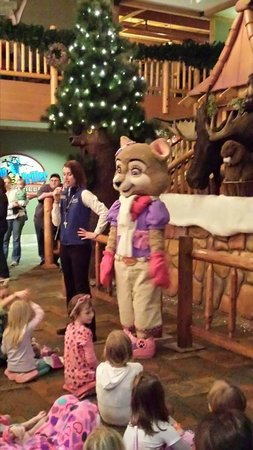 Great Wolf Lodge Kansas City: Clock tower bedtime story