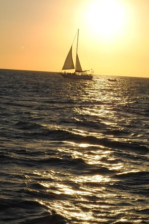 Tico Tours Guanacaste: Sunset on the sailboat