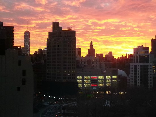 W New York - Union Square: Evening view across Union Square