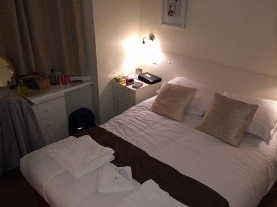 Brooklands Bed and Breakfast : my small double bedroom,